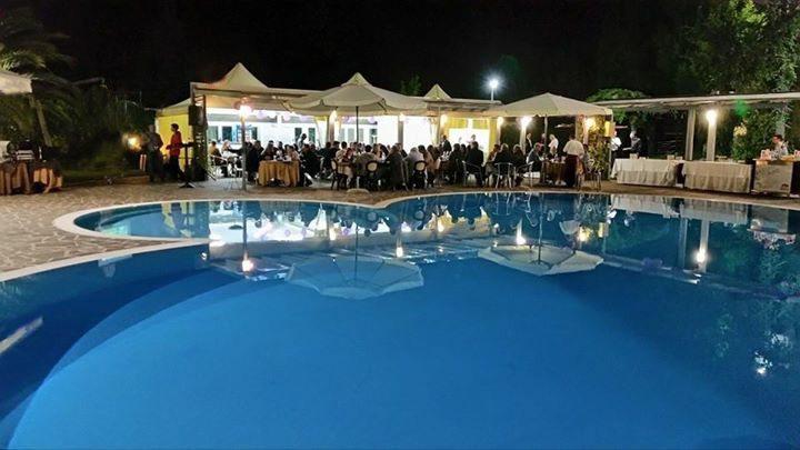 Piscina hotel dragonara hotel con piscina pescara for Piscina sambuceto