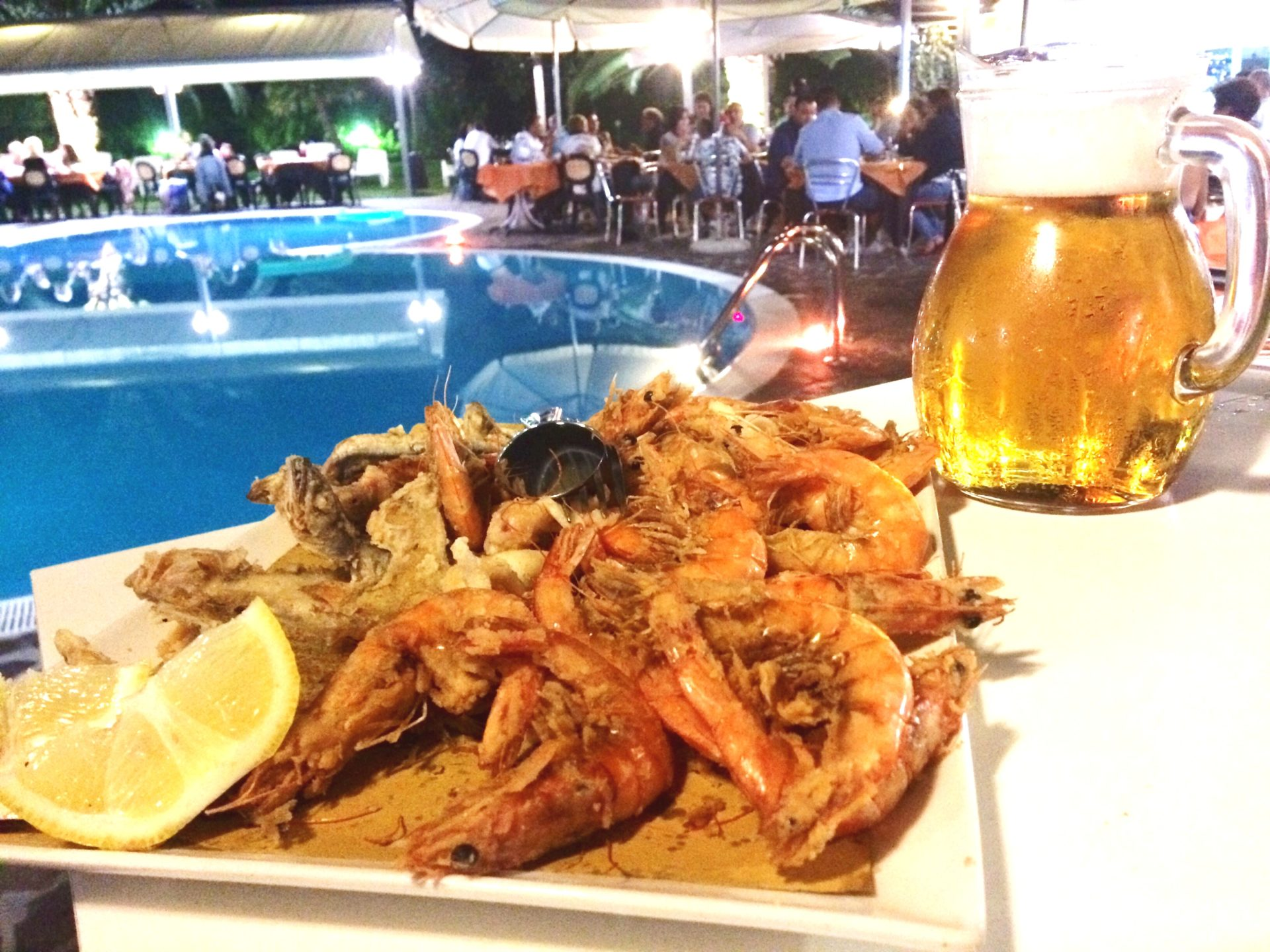Frittura di pesce a volonta 39 e birra hotel dragonara for Piscina sambuceto