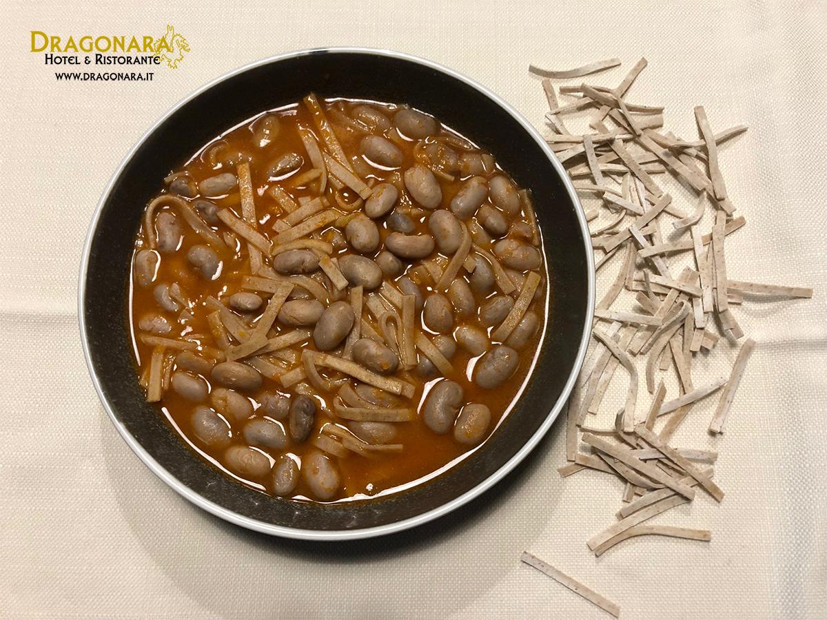 Sagne e Fagioli piatto tipico abruzzese dell'Hotel ristorante Dragonara ( Chieti)